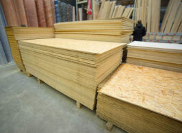 Adhunik Plywoods 8 MM MR 7X4